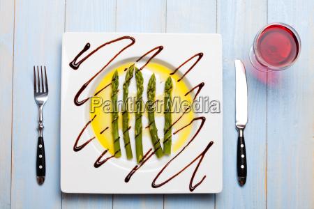 verde caucasico bianco piatto verdura asparago