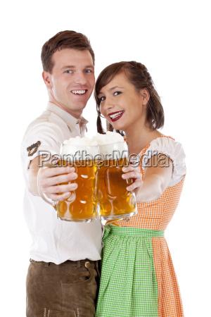 la coppia bavarese tiene la brocca