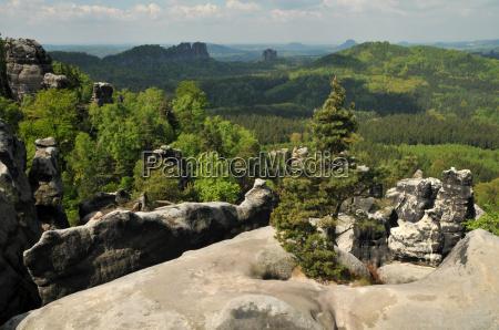 rocce roccia in salita salire scalare