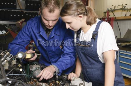 nellofficina di riparazione auto
