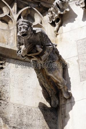 chiesa pietra sasso cattedrale facciata stile