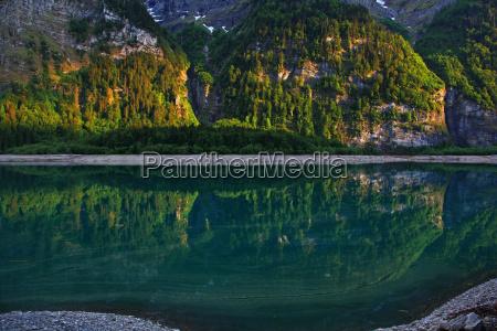 montagne alpi svizzera riflesso sguardo vista