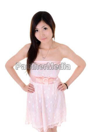 donna signora cinese giapponese elegante alla