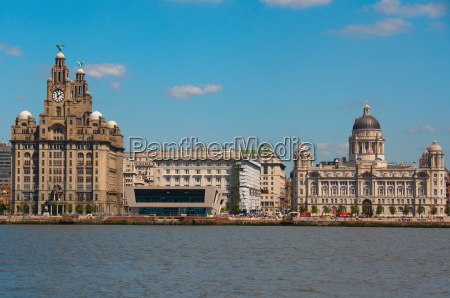 liverpool waterfront a pier head