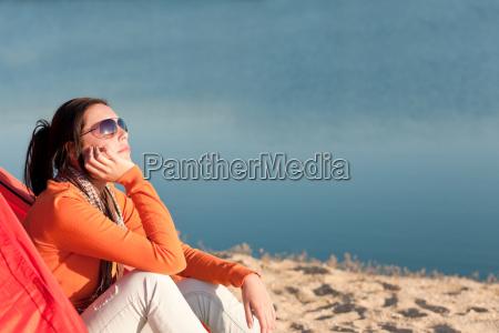 campeggio donna spiaggia da falo in