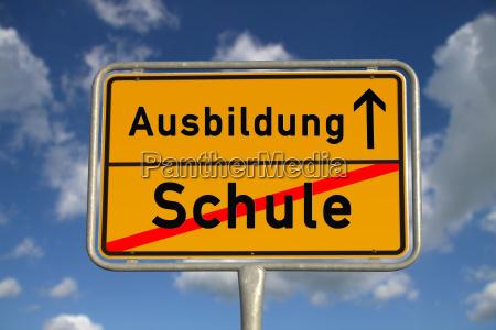 istruzione scolastica ortsschild tedesco