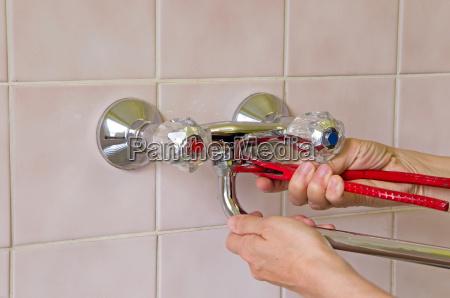 idraulico e toccare
