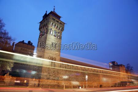 torre pietra sasso notte turismo europa