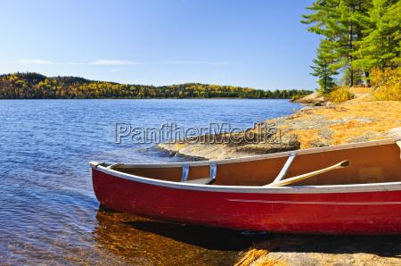 remo roccioso acqua dolce lago acqua