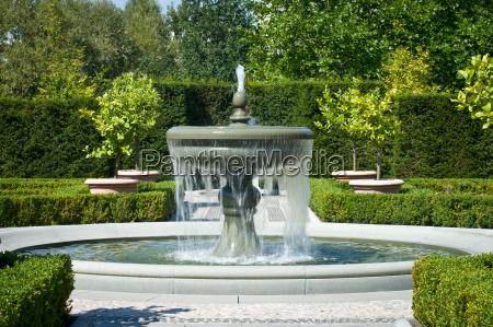parco giardino luce soleggiato fontana schiuma