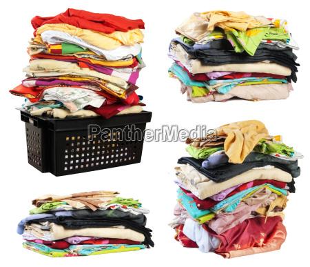 pile di abiti da letto