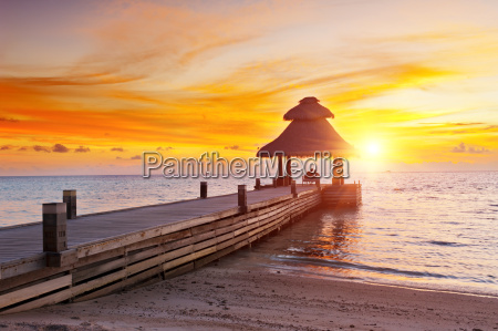 tramonto nel paradiso
