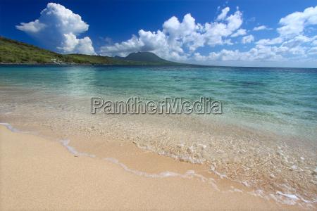 spiaggia appartata a saint kitts