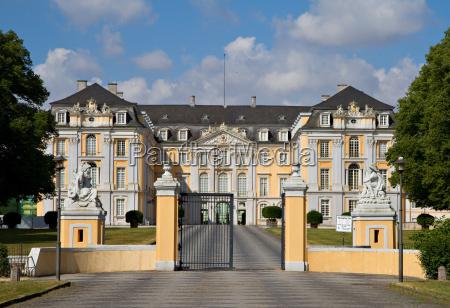 ingresso principale del palazzo di augustusburg