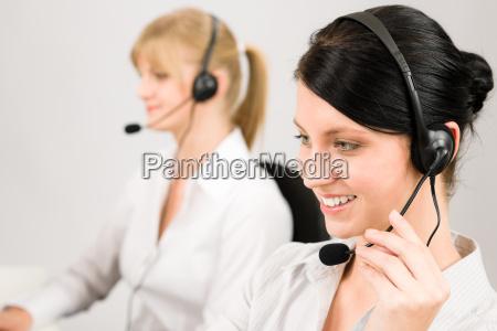 servizio clienti auricolare telefono call center