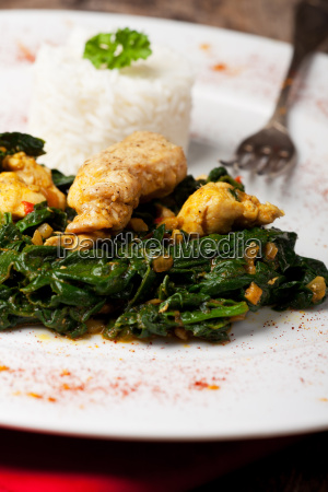 pollo indiano spinaci curry