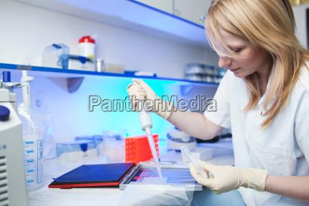 bello bella ricerca caucasico bianco clinica