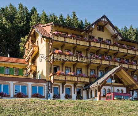 ristorante ingresso albergo foresta nera giallo