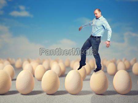 camminare sulle uova
