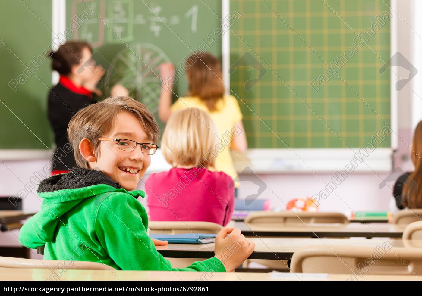 insegnante, con, gli, studenti, in, una - 6792861
