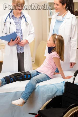 dottore medico salute medicina chirurgia pediatra