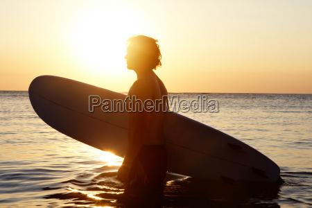 surfista in acqua