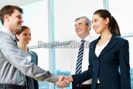 donna gesto persone popolare uomo umano