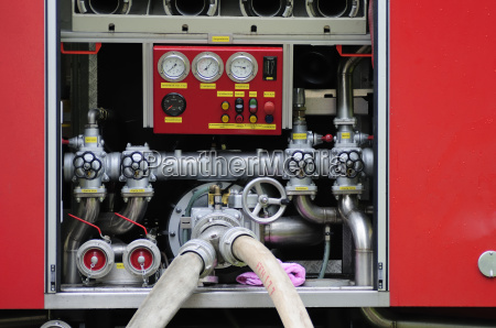 vigili del fuoco tubo flessibile autopompa