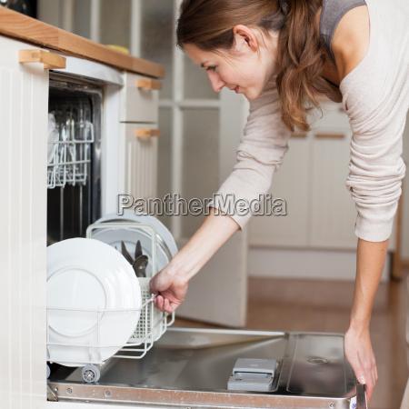 casalinga femminile pulizia cucina femmina pulito