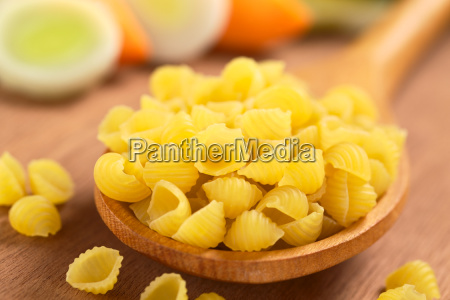 raw shell pasta with vegetables
