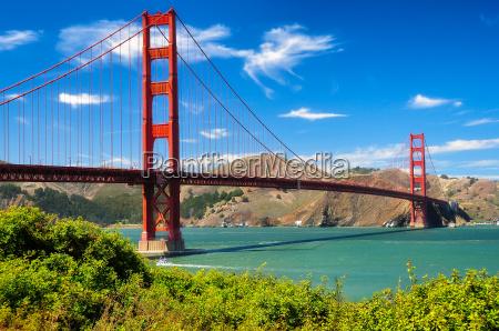 golden gate bridge giorno vivido paesaggio