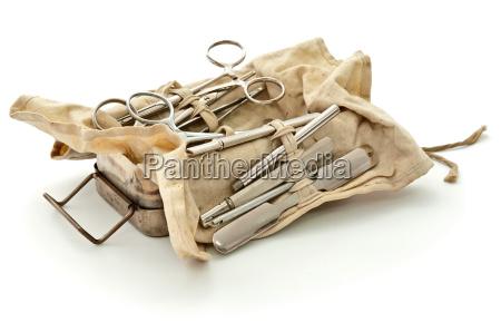 vecchio insieme chirurgico militare