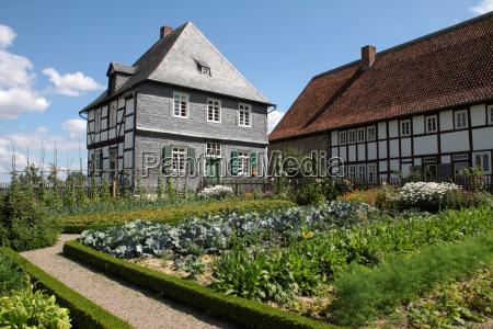 casa costruzione giardino finestra fiore fiori
