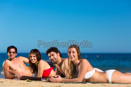 donna donne vacanza vacanze riva del