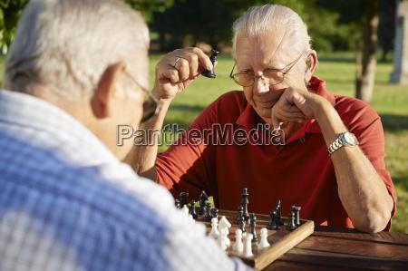 persone in pensione attive due uomini