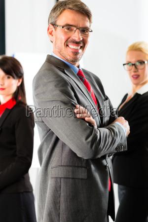 affari un gruppo di uomini