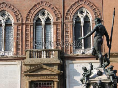 monumento statua gotico nettuno italia neptunbrunnen