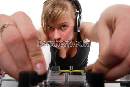 adolescente ragazzo ragazza dj vinile giovani