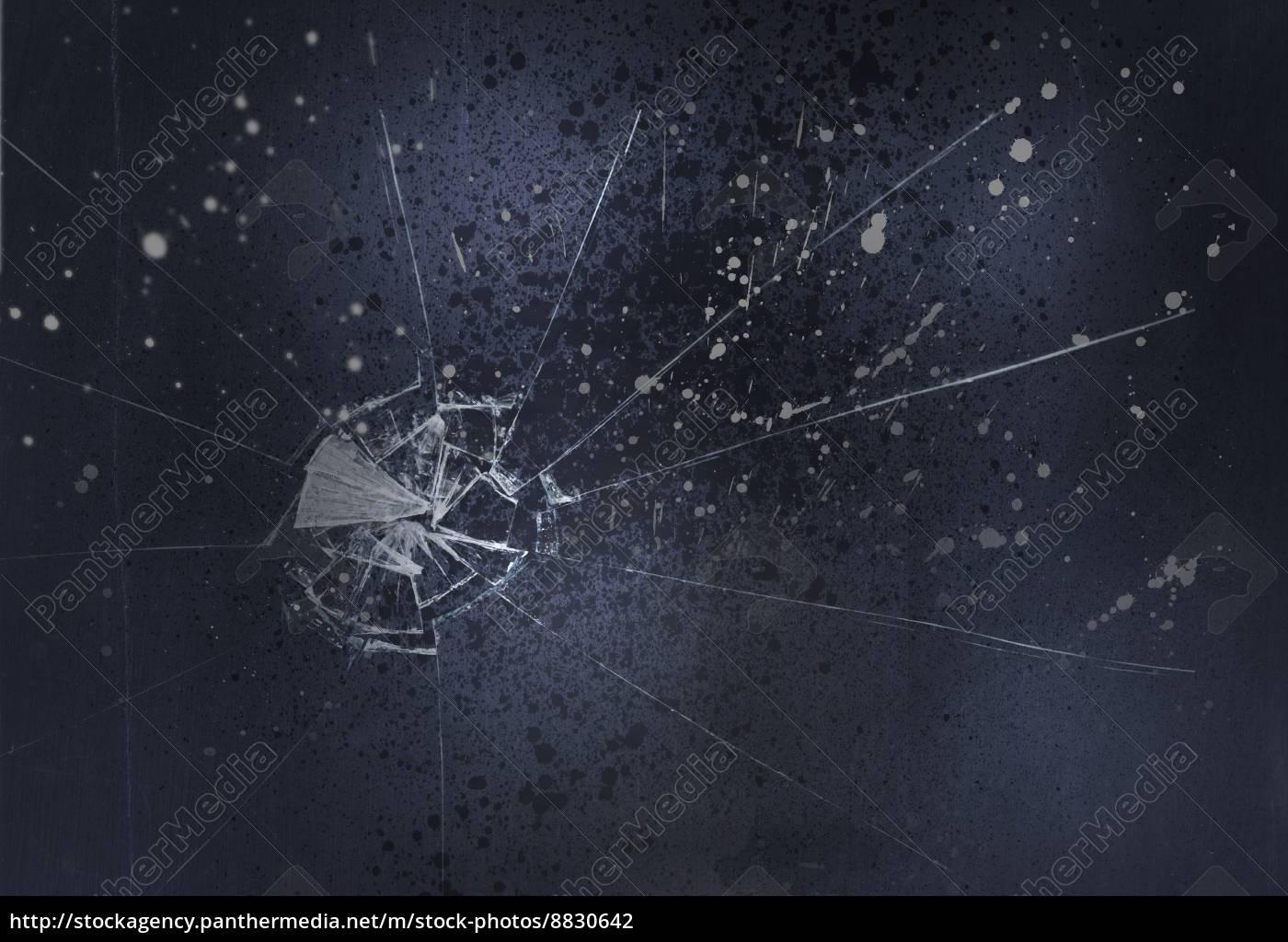 Vetro Rotto Su Sfondo Nero Stockphoto 8830642 Comprate