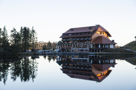 acque europa effetti luminosi hotel riflesso