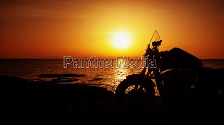 tramonto estate liberta silhouette motocicletta itinerante
