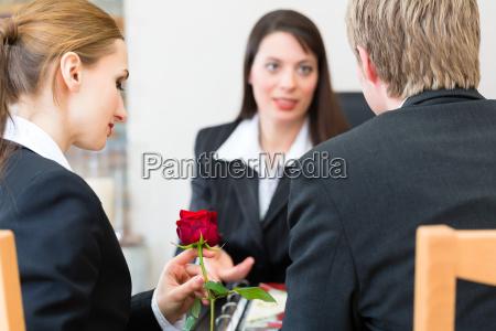 undertaker con i clienti