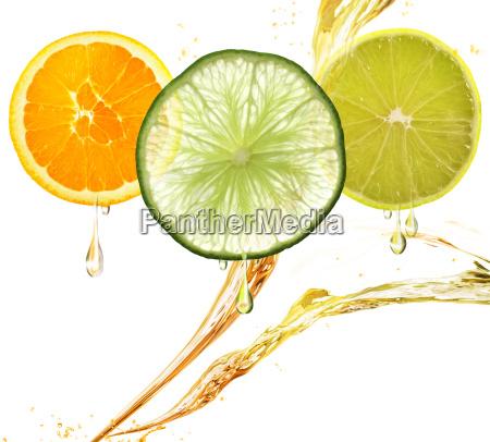 arancio limone e lime fette