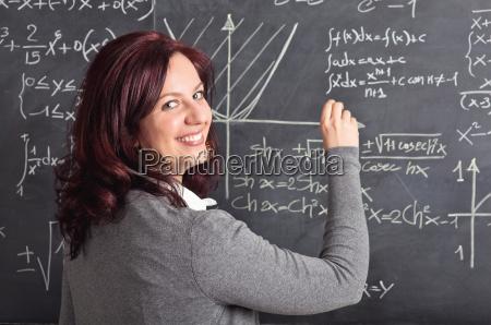 donna risata sorrisi insegnante professore maestro