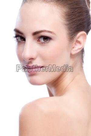 donna faccia ritratto pelle cura cosmetici