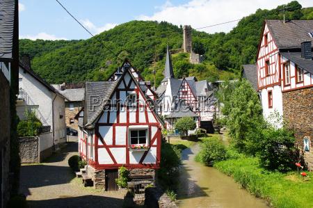 ponte torrente germania villaggio castello