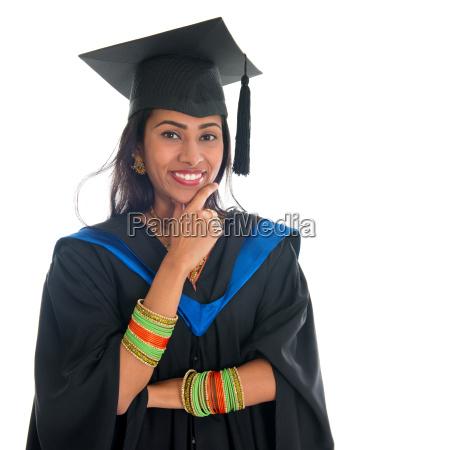 laureato indiano pensiero studente adulto