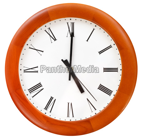 five o clock on round dial