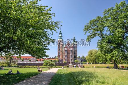 park of rosenborg palace in copenhagen
