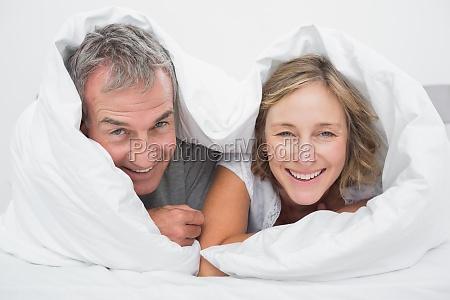 donna casa costruzione risata sorrisi domestico